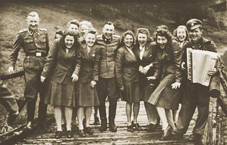 Фото секс в войну